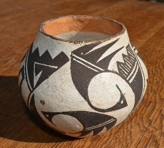Vintage Acoma Pueblo Pottery Pot Signed C.m. Victorino photo