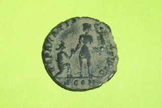 Rare Ancient Roman Coin Of Gratian 367 - 383 Ad Kneeling Woman Globe Antique Old photo