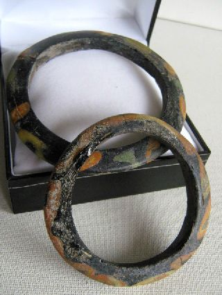Near Eastern 1st Millennium Ad Pair Of Glass Bangles photo