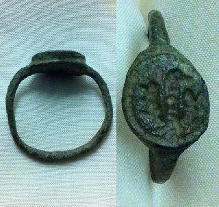 Roman. Bronze Seal Ring. Bird Design. C. 3rd Cent. A. D . photo