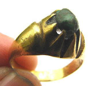 Roman Gold Gilt Claw Clasped Ring Turquiose Stone Ring Circa: 4th Century photo