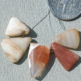 5 Triangular Ancient Agate Stone Pendant Beads Mali 32 photo