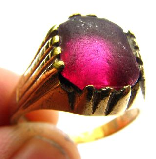 Medieval Era Gold Gilt Ring With Clasped Purple Glass Setting 16th Century photo