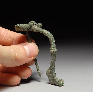 Authentic Ancient Roman Bronze Kraftig Profilierte Bow Fibula Brooch Jewelery photo