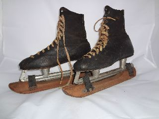 American Pro Vintage Mens Ice Skates photo