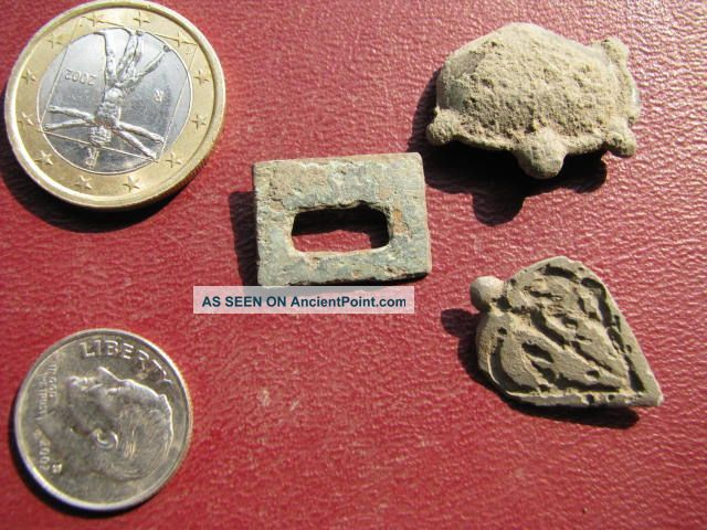 3 Medieval / Roman Belt Decorations 1715 Roman photo