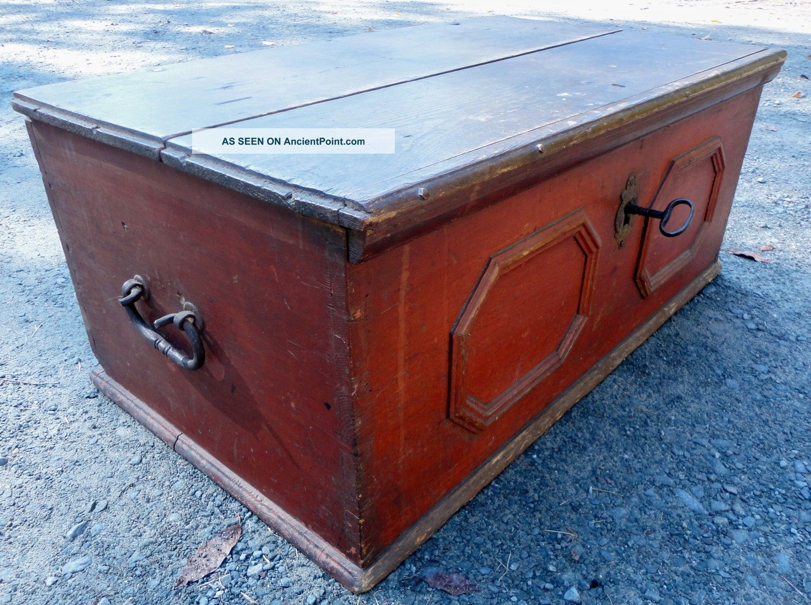 Early 18th Century Chest Pre-1800 photo