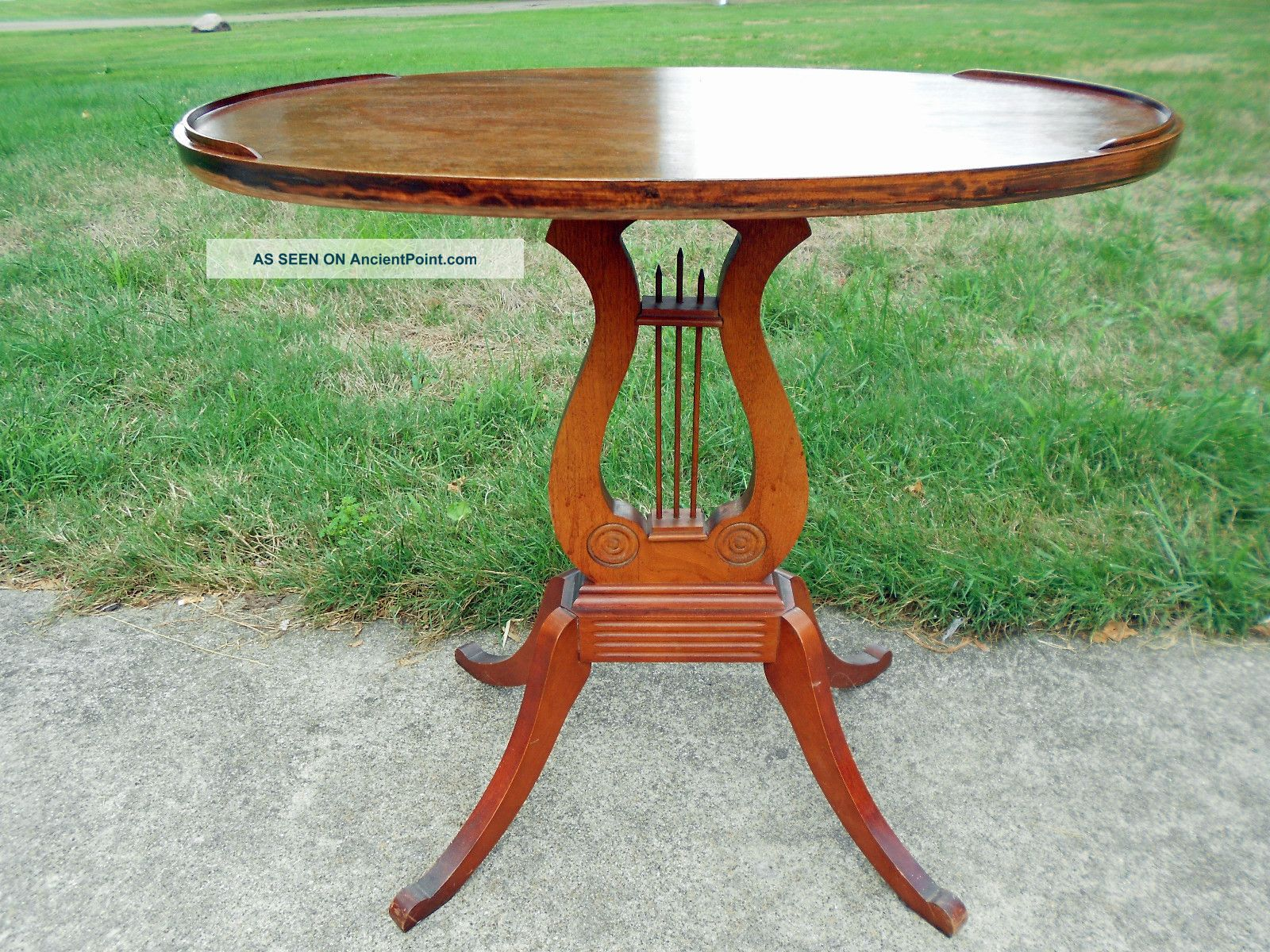 Antique Depression Era Duncan Phyfe Style Oval Top Side Table 1900-1950 photo
