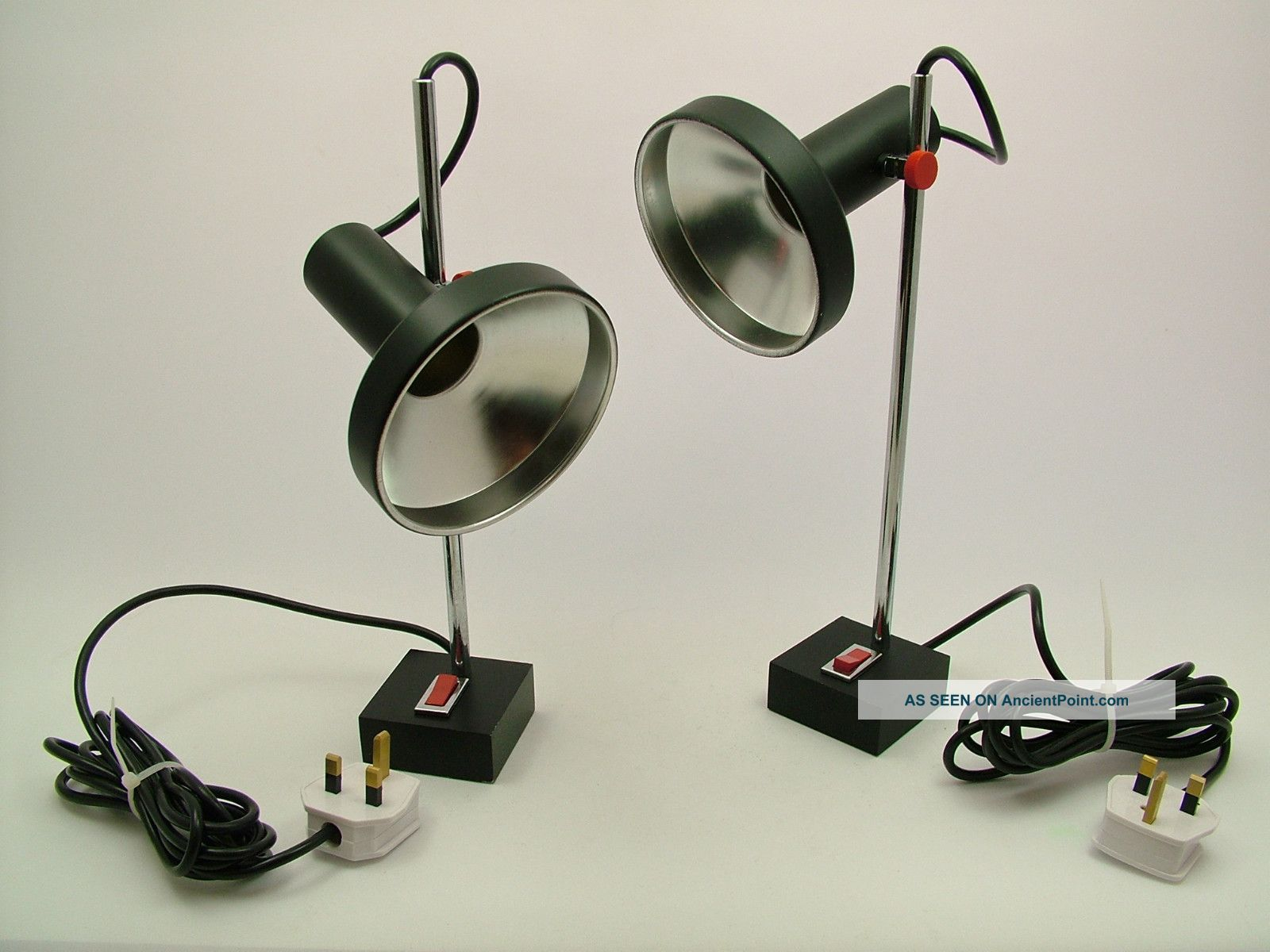 A Pair Of Adjustable 1960 ' S Table Spot Lamps - New Plugs,  Ready To Go 20th Century photo