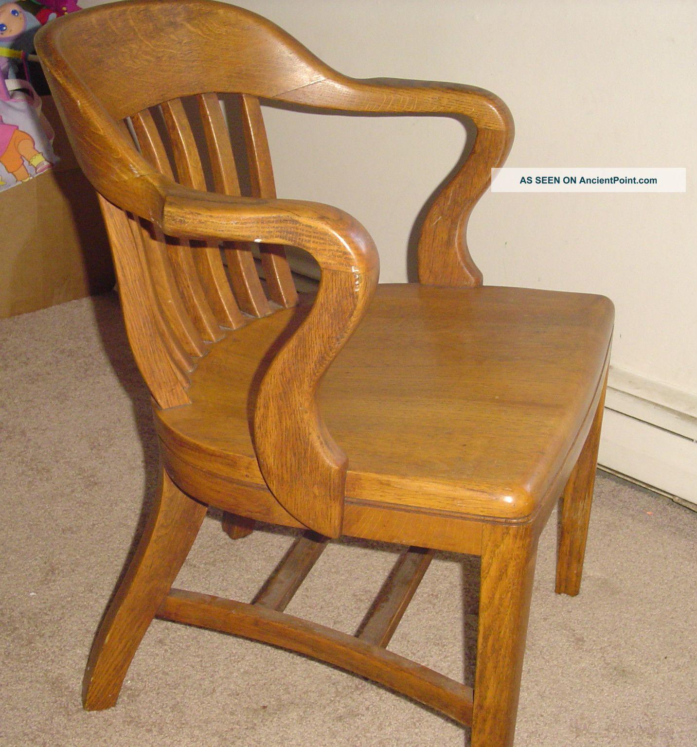 - Antique Oak Office / Jury / Court / Bankers Chair Vintage
