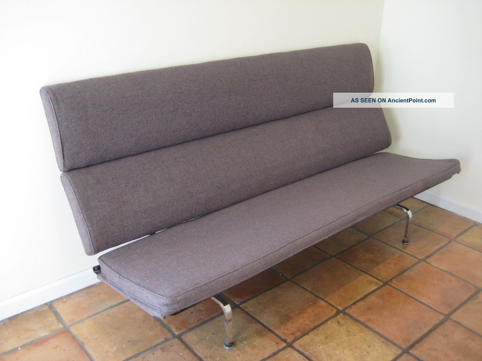 Eames compact sofa replica interior design decorating for Design sofa replica