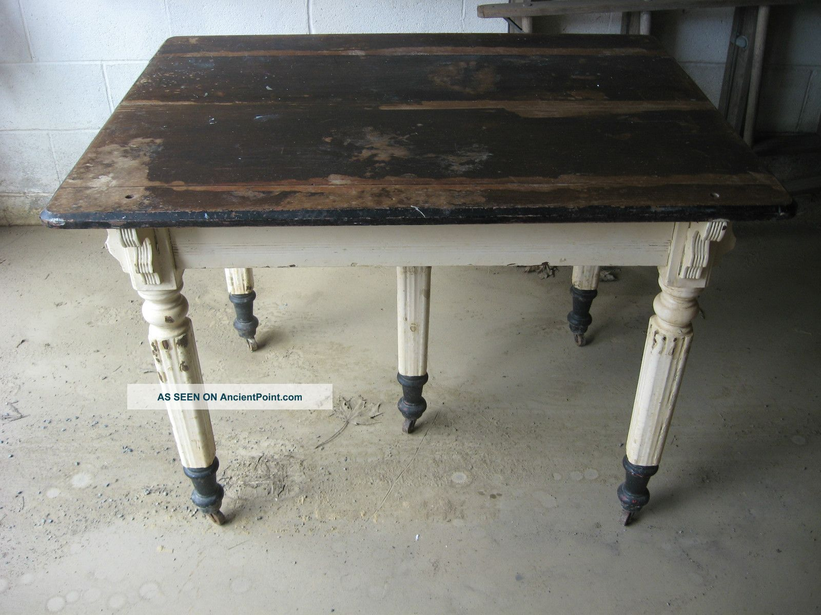 Antique Five 5 Legged Kitchen Table Vintage Farm House Cabin Harrisburg Pa 1900-1950 photo
