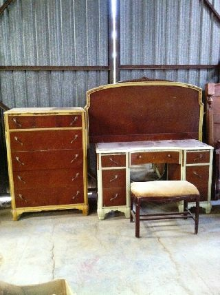 Art Deco 5 - Pc Bedroom Set - Bed,  Dresser,  Vanity,  Mirror & Bench photo