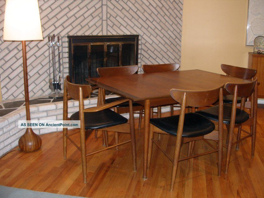 Chic Danish Mid Century Modern Walnut Dining Room Set W 6 Chairs 3 Leaves
