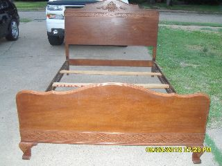 Vintage Walnut Full Size Bed (antique) photo