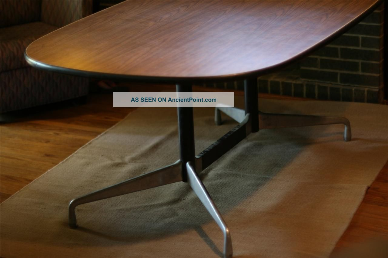 Herman Miller 6 ' Six Foot Oval Conference Table Oval Eames Aluminum Group Post-1950 photo