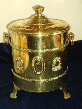 Edwardian Brass Lidded Log Box / Coal Scuttle With Liner In Good Condition C1910 photo