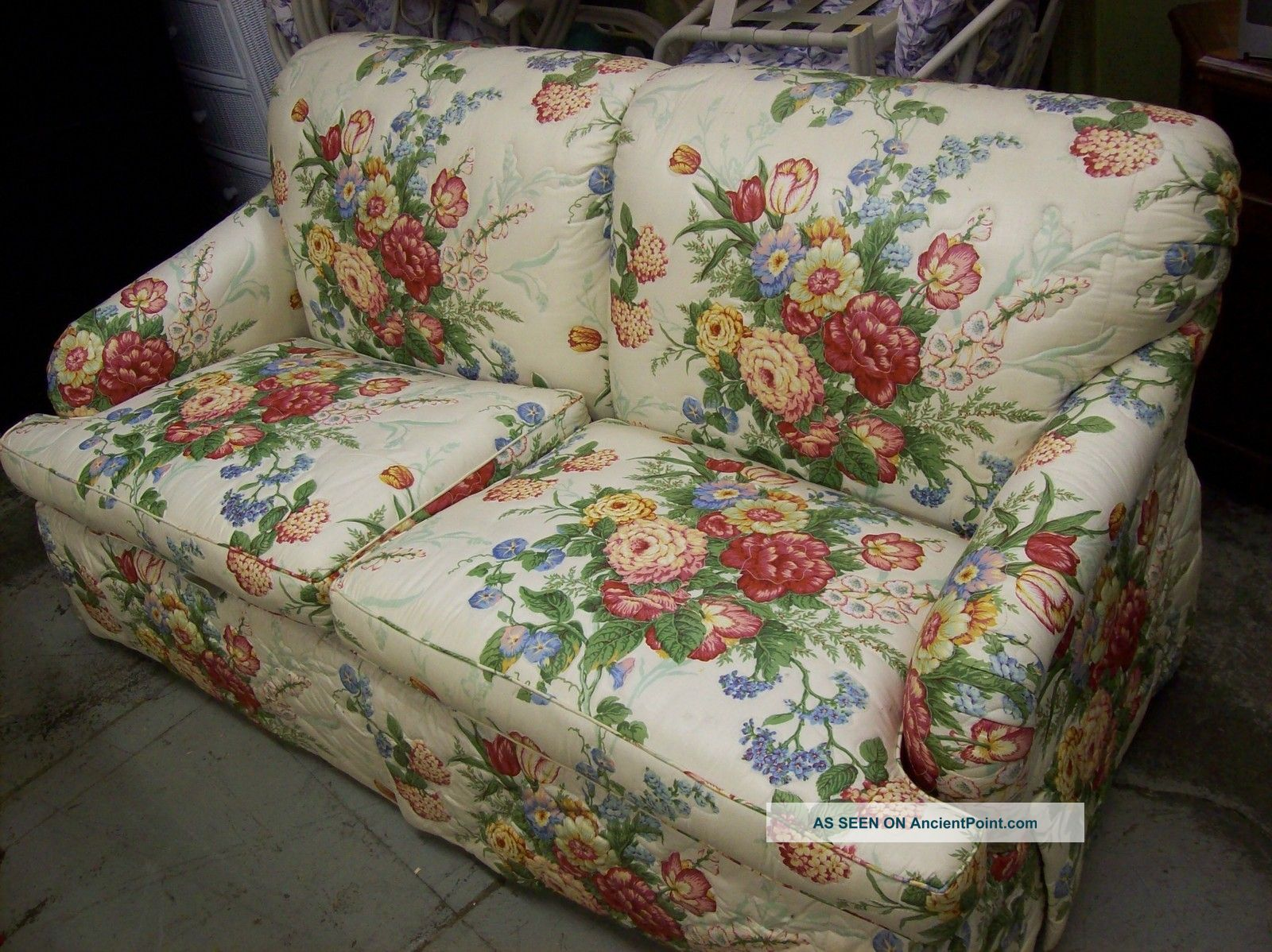Floral Sofa Amusing With Floral Sofas and Loveseats Images