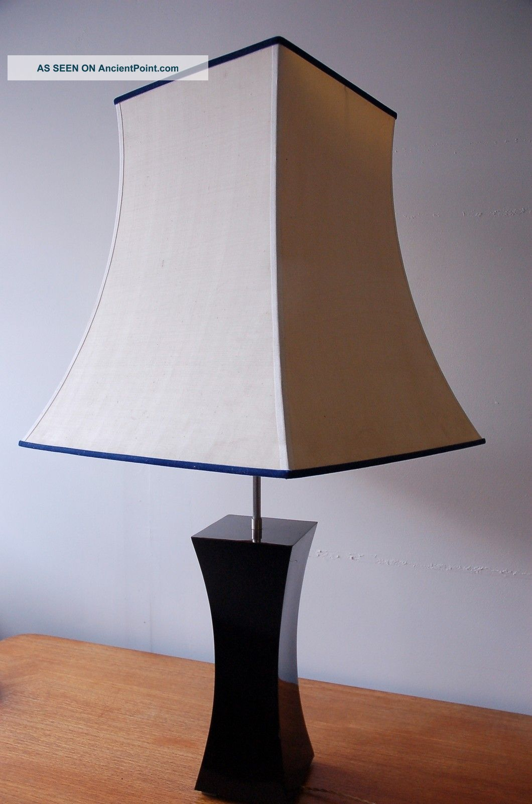 Retro Mid Century Modern French Vintage Hollywood Regency Style Large Table Lamp 20th Century photo