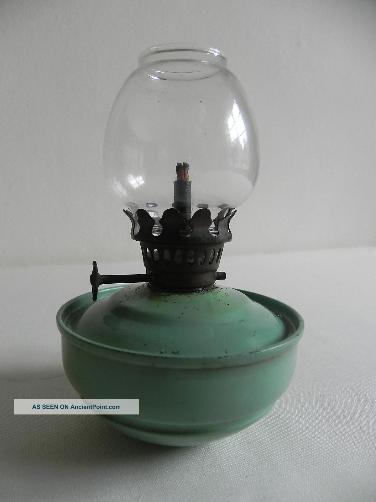Vintage Oil / Paraffin Lamp Kelly Pixie Nursery Weighted Bottom Shabby Chic 20th Century photo