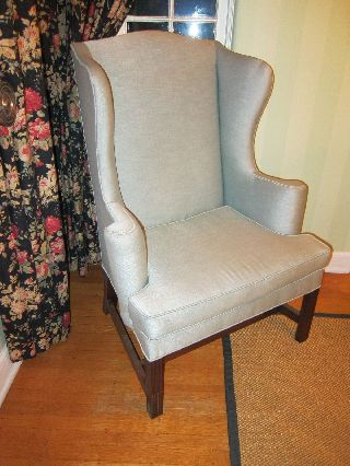 Kittinger Cw 12 Wing Chair photo