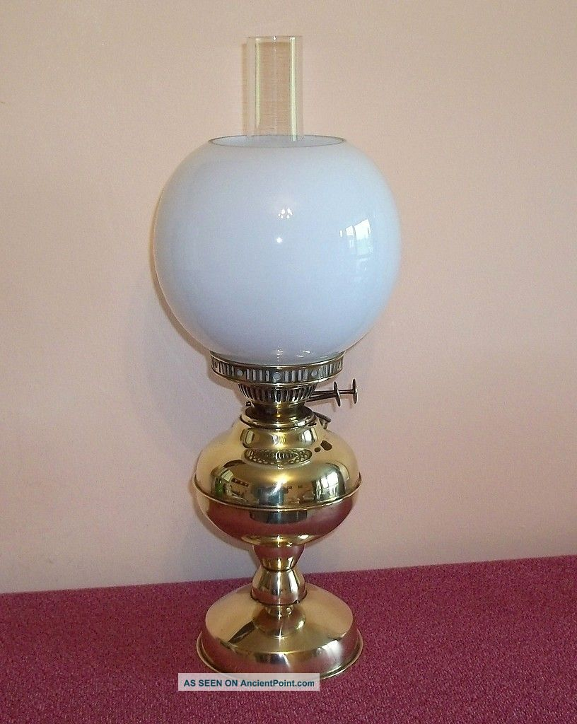 Good Vintage Brass Twin Burner Oil Lamp With Shade And Chimney Edwardian (1901-1910) photo