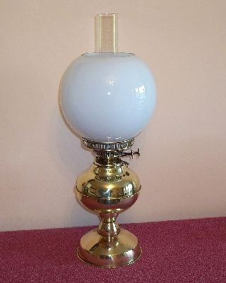 Good Vintage Brass Twin Burner Oil Lamp With Shade And Chimney photo