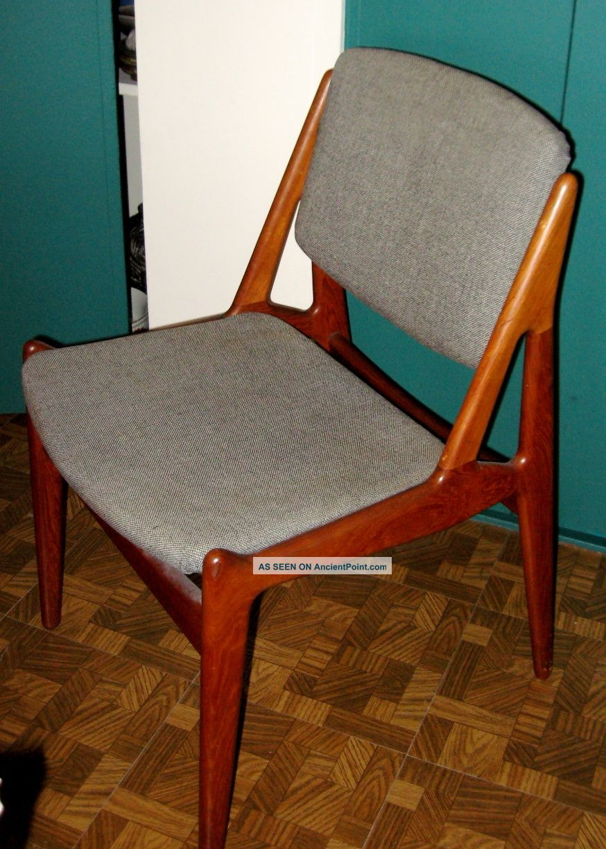 Set Of 4 Dining Chairs By Arne Vodder Post-1950 photo