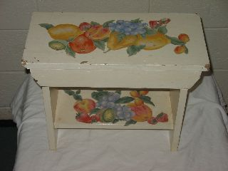 Vintage Small Wooden Bench - Fruit Emblems / Cream Color - 18