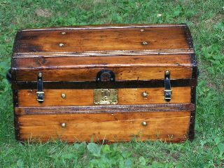 Restored Antique Victorian Jenny Lind Stagecoach / Steamer Trunk 1850 photo