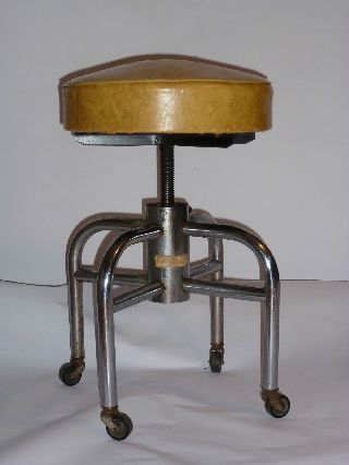 Vintage 1950s Medical/industrial Stool All Metal Base Casters Adj Height Usa photo