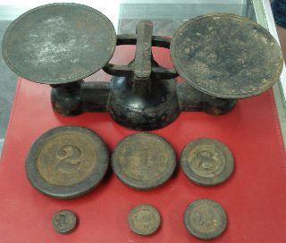 Antique Cast Iron Scale With 6 Weights Very Cool 12 Inches Long At The Top photo