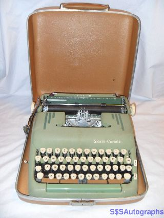 Rare 1956 Retro Green Vintage Antique Smith Corona Silent Typewriter Wcase photo