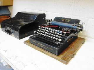 Rare 1909 Royal Standard Flatbed Staircase Typewriter With Metal Case photo