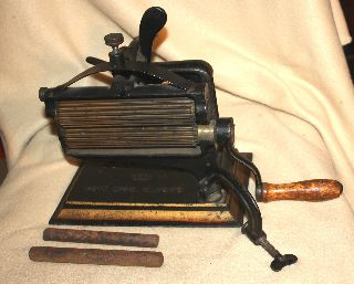 Crown Fluting,  Pleating Iron With Both Rods Patent 1875 American Machine Co. photo