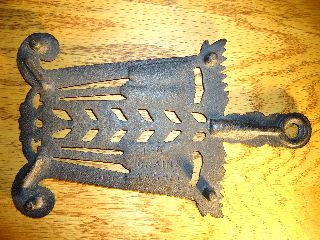 Grain & Tassel Cast Iron Trivet photo