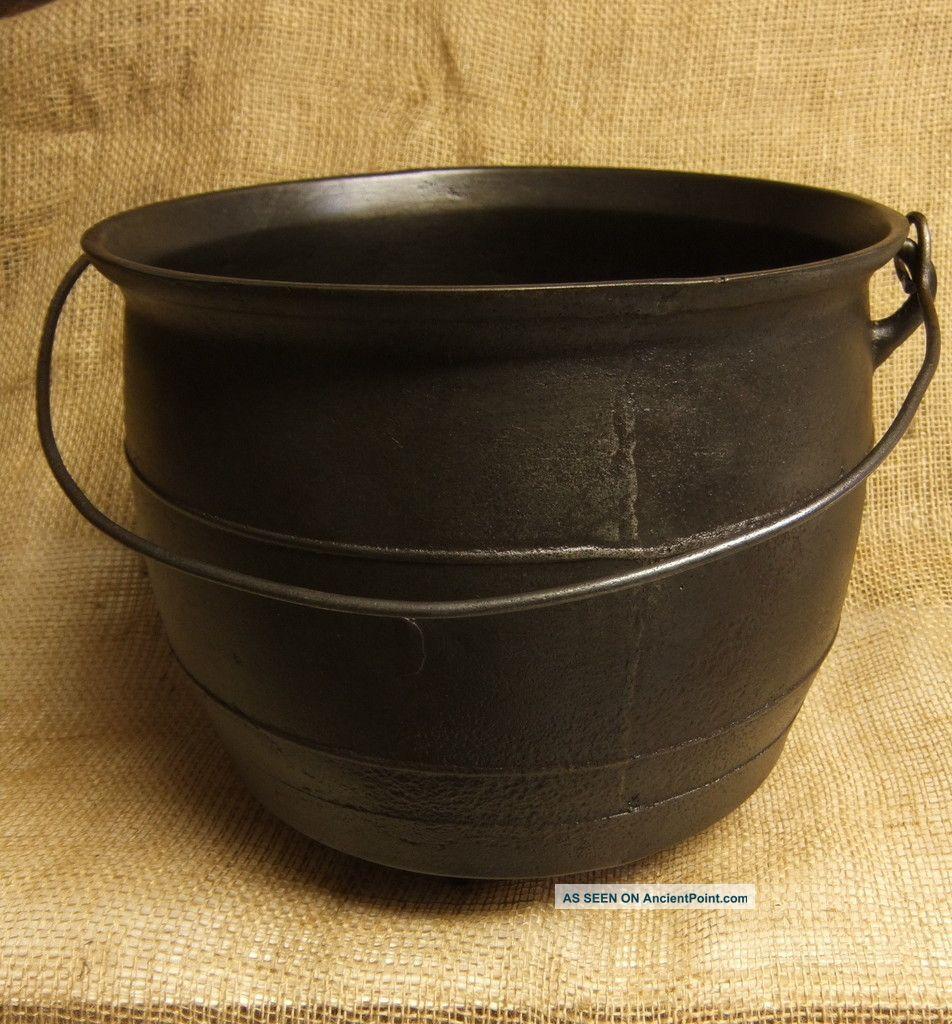 Antique Cast Iron Kettle Cauldron 8 Lp Early Crude Gateway Mark 3 Legs 8 Quart Hearth Ware photo