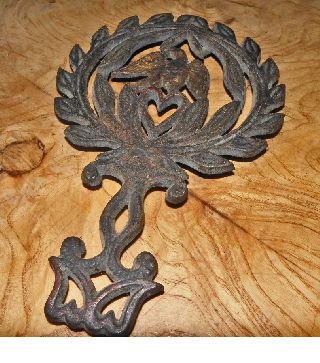 Vintage Trivet Maine Estate Collection Cast Iron Footed Eagle 9 photo