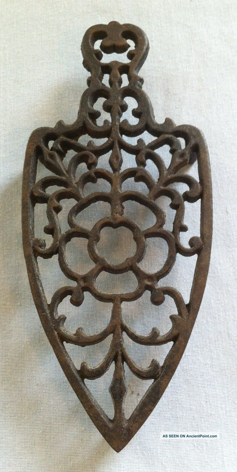 Vintage Wilton Cast Iron Trivet (sad Clothes Iron Shape Wire Flower Design) Trivets photo