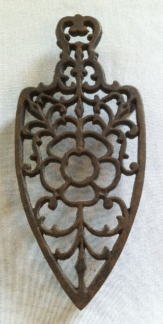 Vintage Wilton Cast Iron Trivet (sad Clothes Iron Shape Wire Flower Design) photo