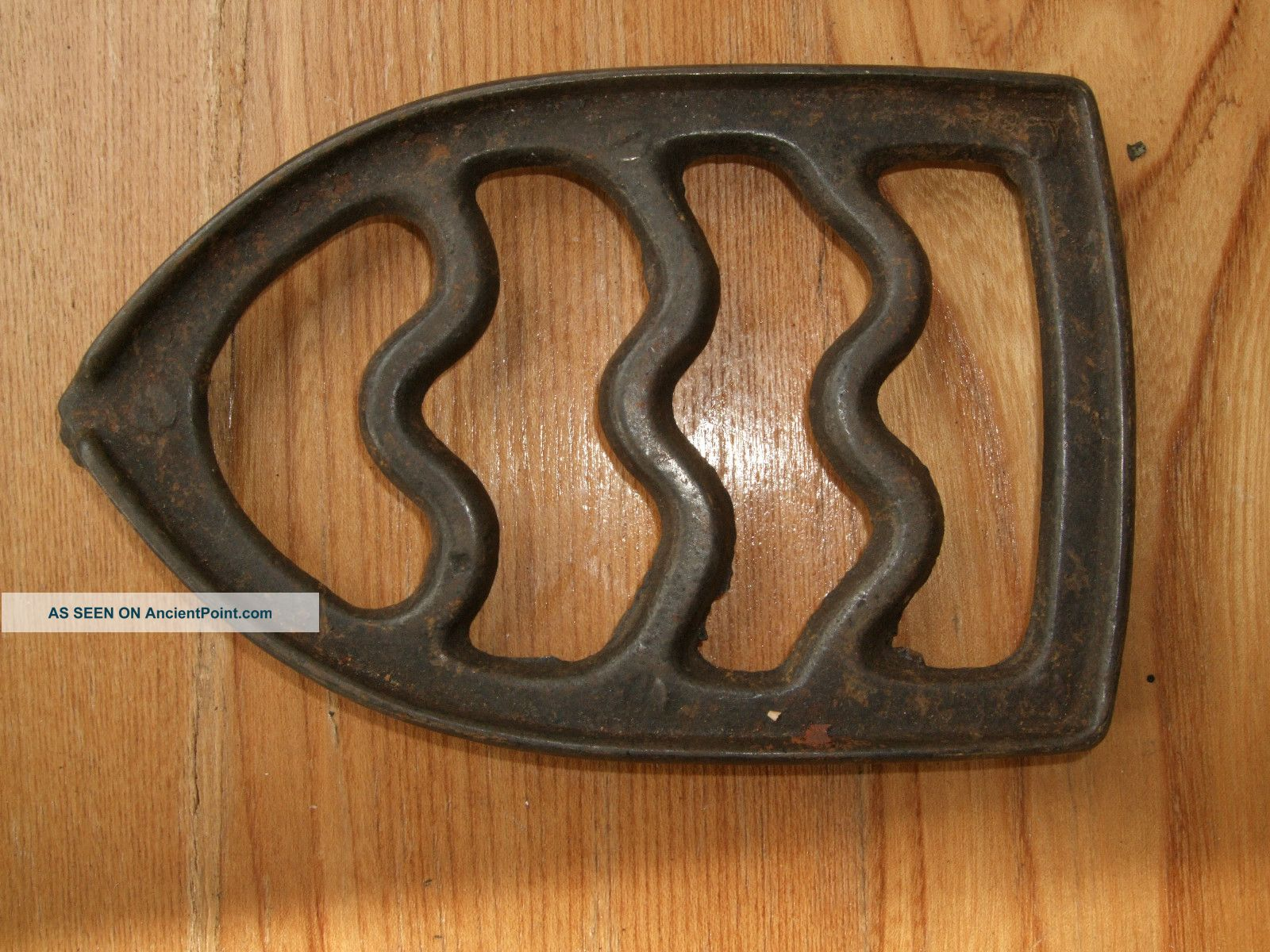 Antique Cast Iron Trivet Sad Iron Feet Metal Vintage 6 Inches Country Vtg Rustic Trivets photo