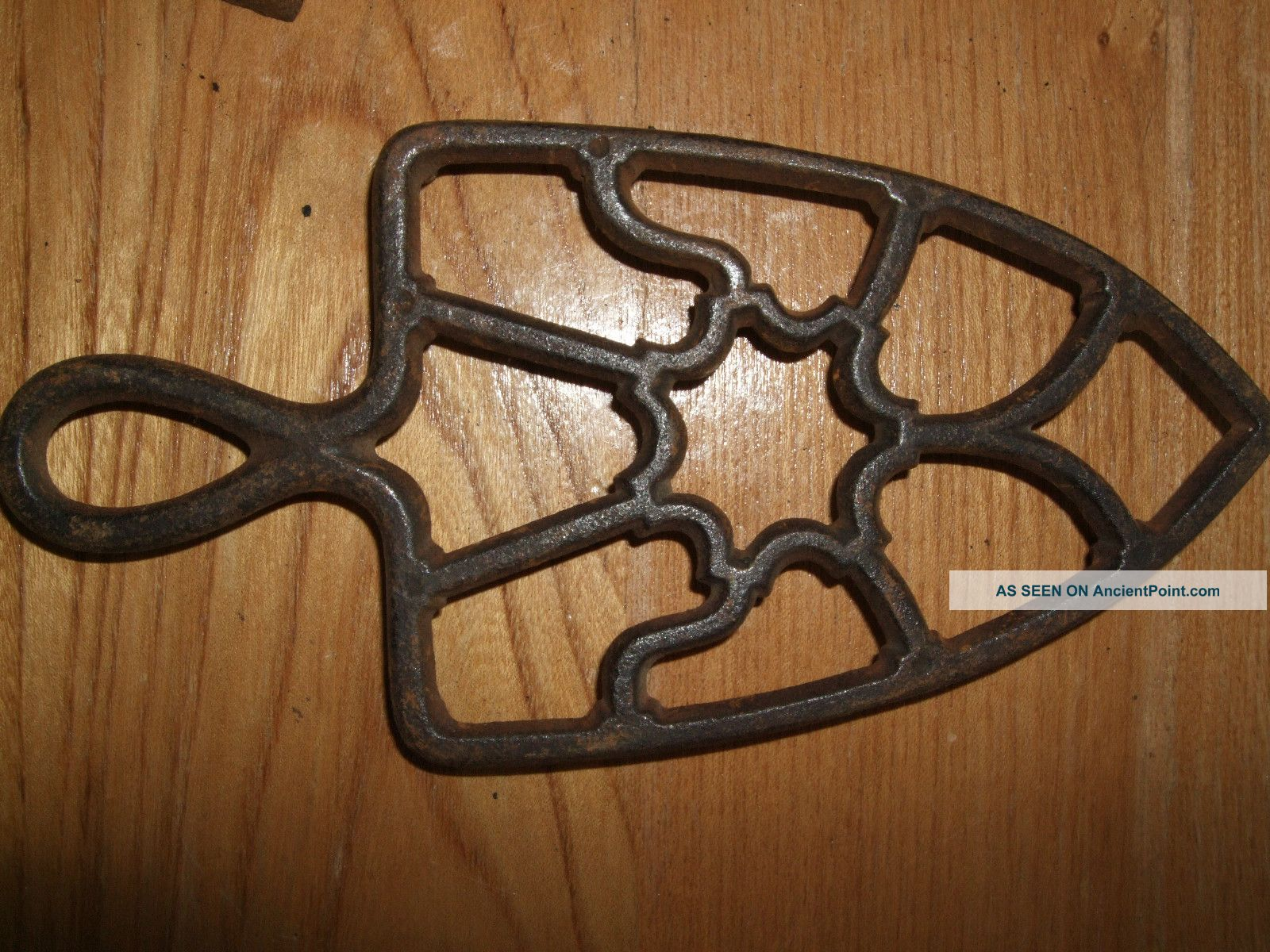 Antique Cast Iron Trivet Handle Metal Sad Country Vintage Primitive Rustic Vtg Trivets photo