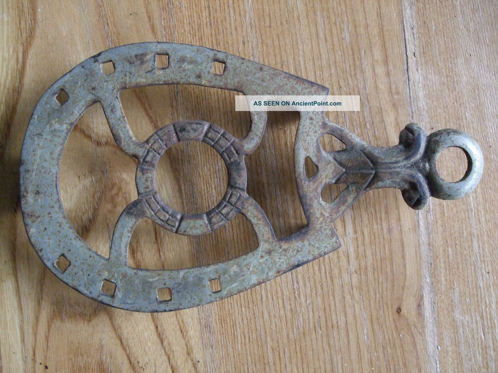 Antique Cast Iron Trivet Sad Horse Shoe Vintage Vtg Primitive Rustic Country Trivets photo