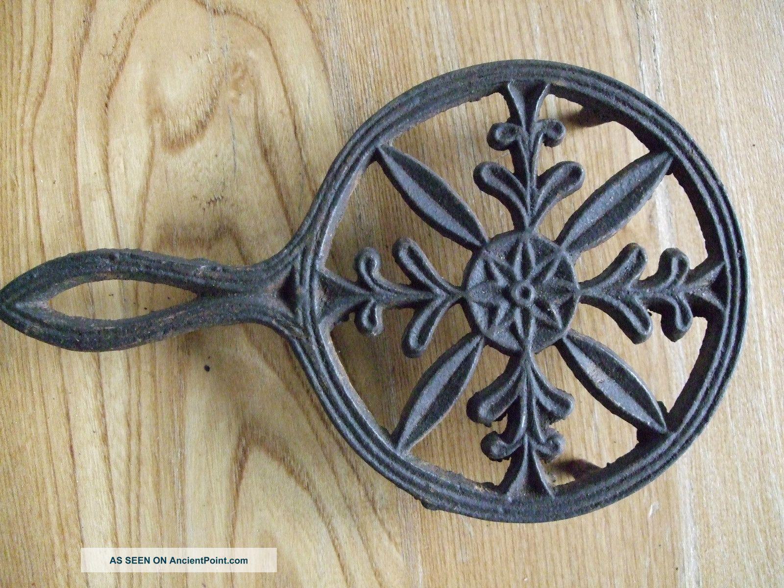 Antique Round Cast Iron Trivet Sad Handle Vintage Primitive Vtg Rustic Trivets photo