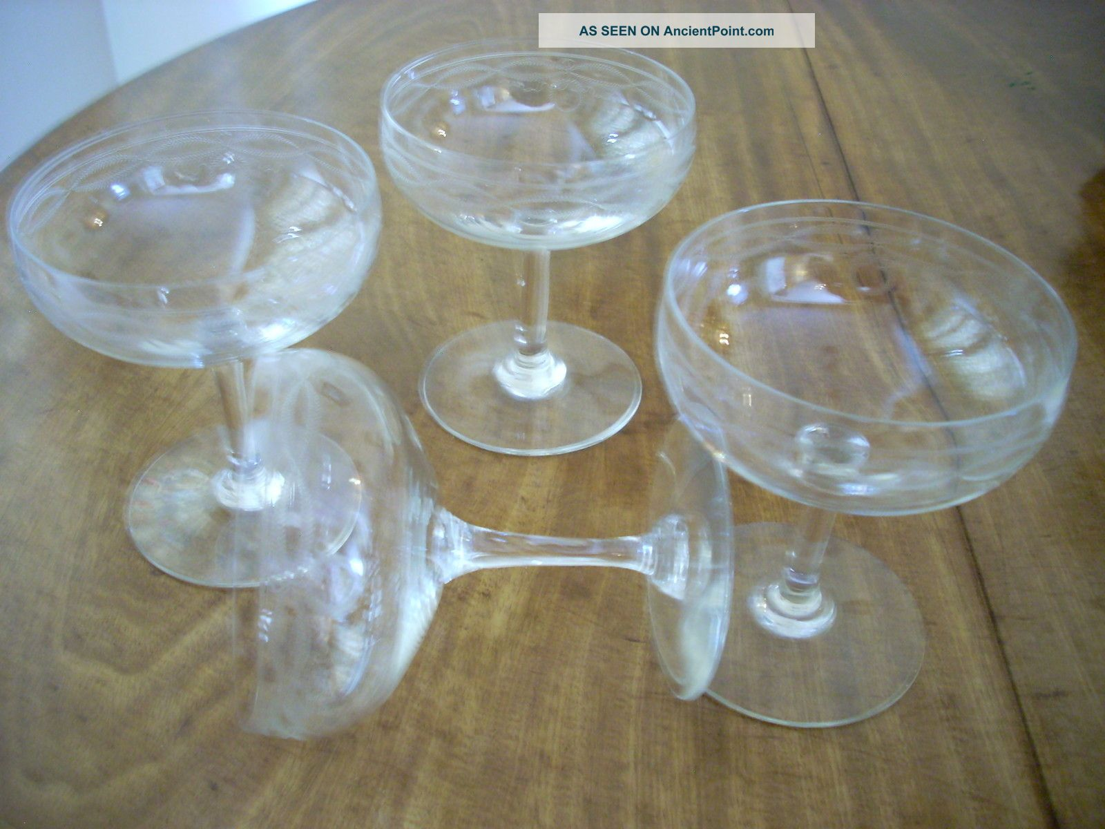 Set Of 4 Elegant Art Deco Champagne Saucers - Coupe Glasses Art Deco photo
