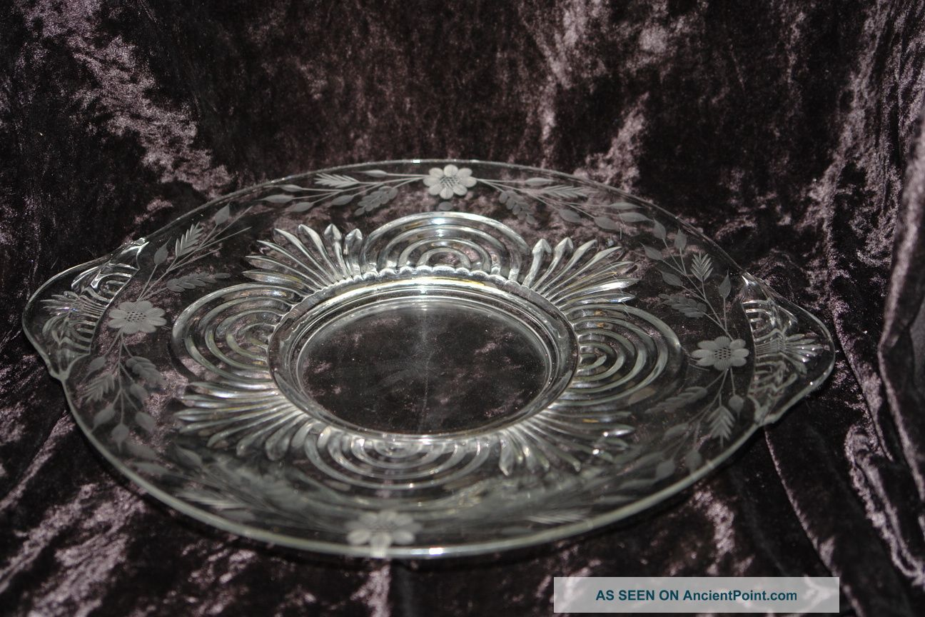Vintage Art Deco Pressed Glass Serving Plate With 8 Petal Cornflower Design Art Deco photo