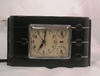 Vintage Art Deco Early Plastic Bakelite Clock C29 photo