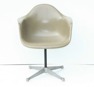 Herman Miller Fiberglass Arm Shell Chair Olive Green Gray Eames Aluminum Base photo