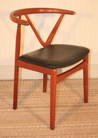 Vtg Mid Century Danish Modern Teak Chair By Henning Kjaernulf For Bruno Hansen B photo