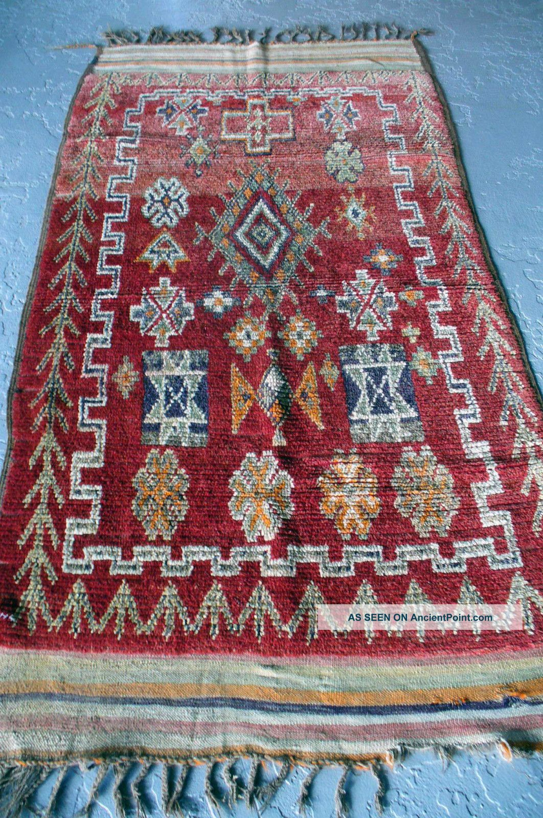 Antique Moroccan Rug - Rare Estate Find 100% Wool,  All Vegetal Dyes.  Even Wear. Medium (4x6-6x9) photo